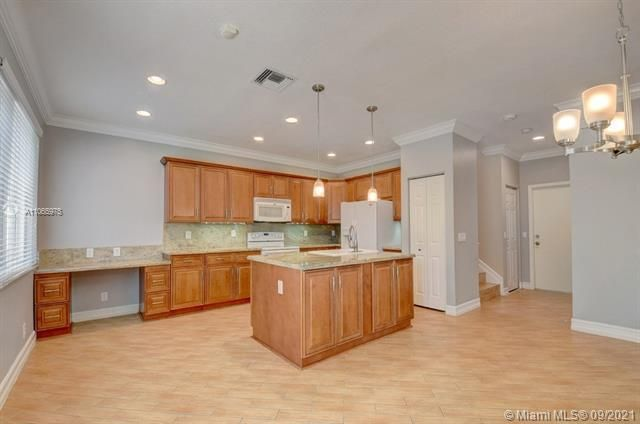Regency Lakes At Coconut for Sale - 5032 Heron, Coconut Creek 33073, photo 19 of 63
