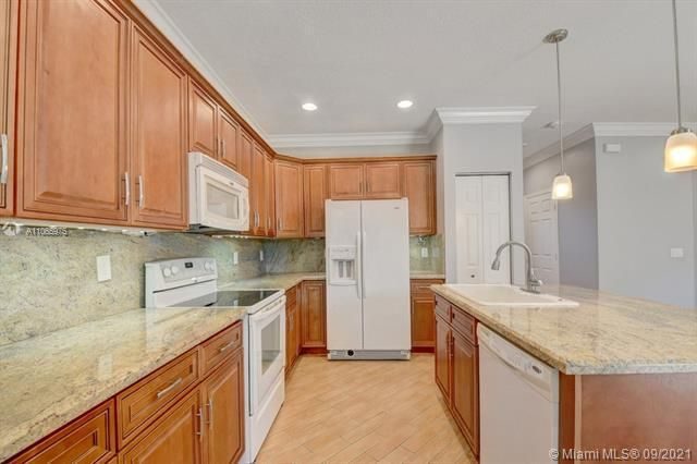 Regency Lakes At Coconut for Sale - 5032 Heron, Coconut Creek 33073, photo 23 of 63