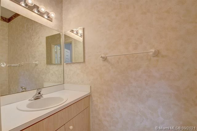 Regency Lakes At Coconut for Sale - 5032 Heron, Coconut Creek 33073, photo 27 of 63