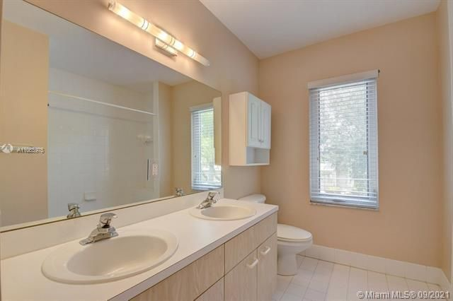 Regency Lakes At Coconut for Sale - 5032 Heron, Coconut Creek 33073, photo 29 of 63