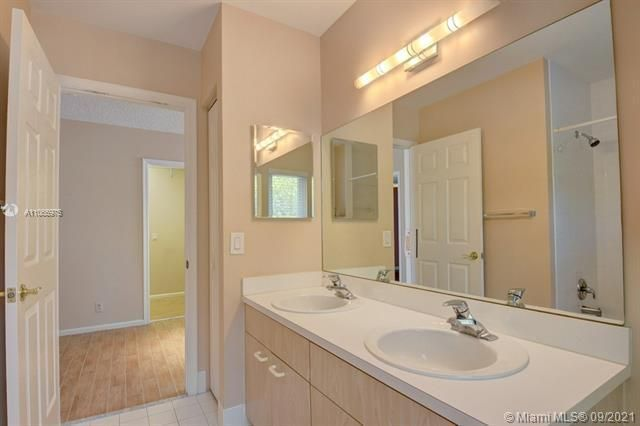 Regency Lakes At Coconut for Sale - 5032 Heron, Coconut Creek 33073, photo 31 of 63