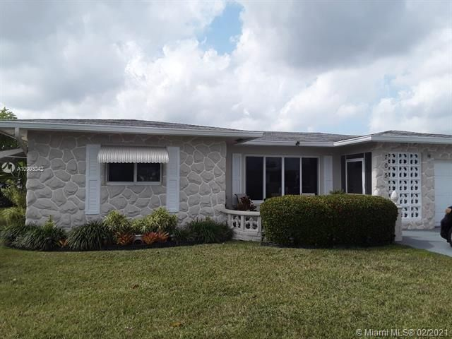 Paradise Gardens Sec 4 for Sale - 705 NW 73rd Terrace, Margate 33063, photo 1 of 40