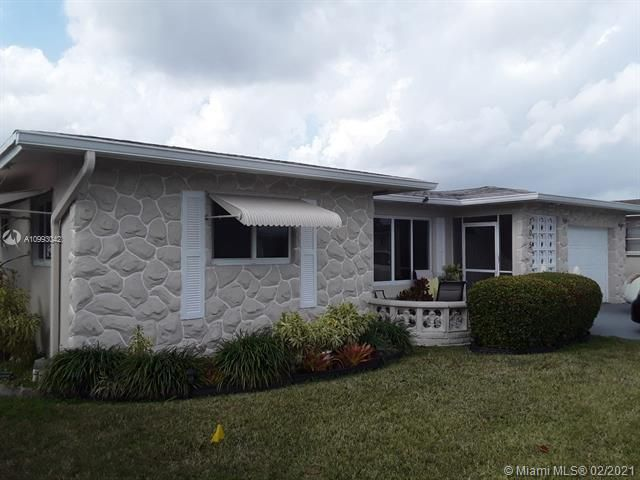 Paradise Gardens Sec 4 for Sale - 705 NW 73rd Terrace, Margate 33063, photo 2 of 40