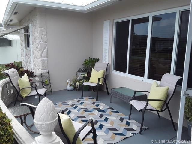Paradise Gardens Sec 4 for Sale - 705 NW 73rd Terrace, Margate 33063, photo 5 of 40