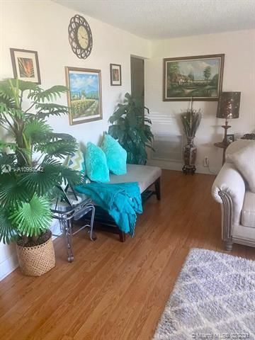 Paradise Gardens Sec 4 for Sale - 705 NW 73rd Terrace, Margate 33063, photo 9 of 40