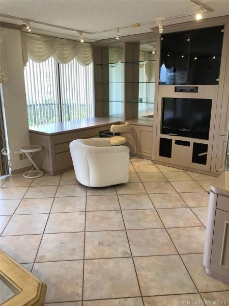 Turnberry Isle for Sale - 19667 Turnberry Way, Unit 6-C, Aventura 33180, photo 3 of 19