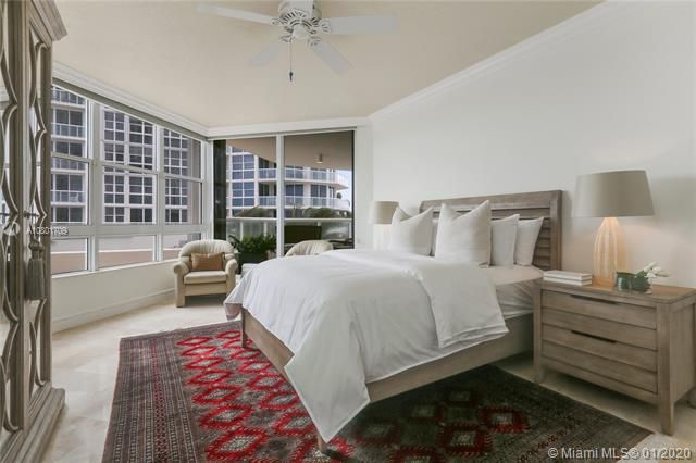 Renaissance On The Ocean for Sale - 6051 N Ocean Dr, Unit 302, Hollywood 33019, photo 10 of 31
