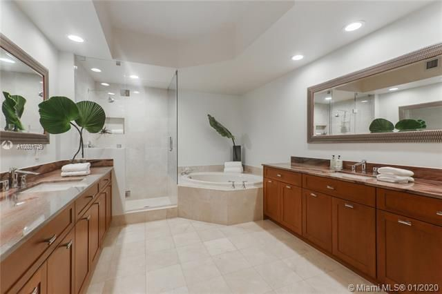 Renaissance On The Ocean for Sale - 6051 N Ocean Dr, Unit 302, Hollywood 33019, photo 12 of 31