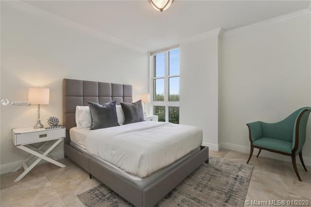Renaissance On The Ocean for Sale - 6051 N Ocean Dr, Unit 302, Hollywood 33019, photo 13 of 31