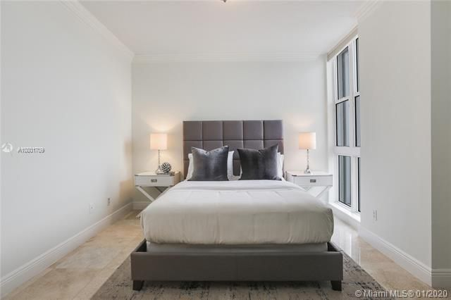 Renaissance On The Ocean for Sale - 6051 N Ocean Dr, Unit 302, Hollywood 33019, photo 14 of 31