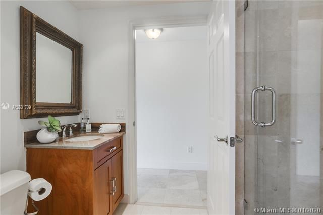 Renaissance On The Ocean for Sale - 6051 N Ocean Dr, Unit 302, Hollywood 33019, photo 15 of 31