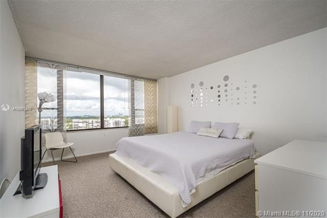 Alexander Towers for Sale - 3505 S Ocean Dr, Unit 1402, Hollywood 33019, photo 10 of 21