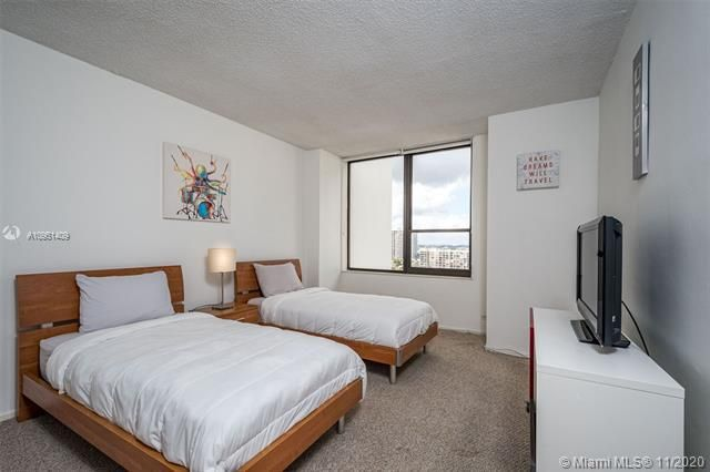 Alexander Towers for Sale - 3505 S Ocean Dr, Unit 1402, Hollywood 33019, photo 12 of 21