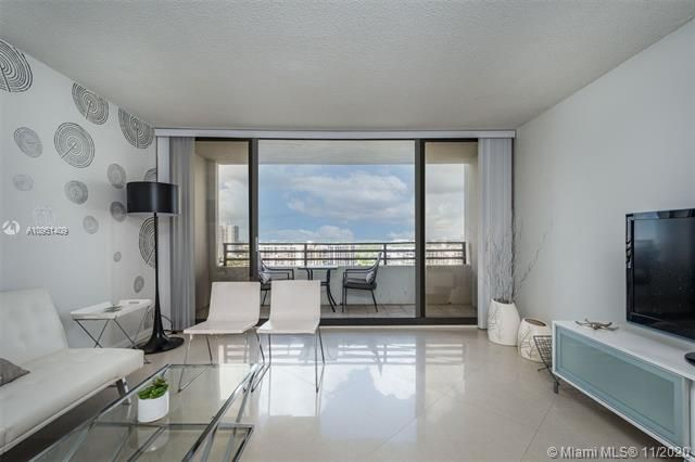 Alexander Towers for Sale - 3505 S Ocean Dr, Unit 1402, Hollywood 33019, photo 3 of 21