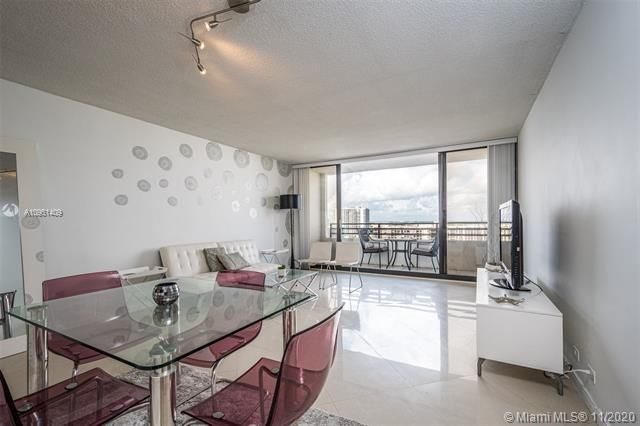 Alexander Towers for Sale - 3505 S Ocean Dr, Unit 1402, Hollywood 33019, photo 4 of 21