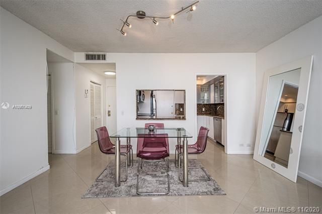 Alexander Towers for Sale - 3505 S Ocean Dr, Unit 1402, Hollywood 33019, photo 5 of 21