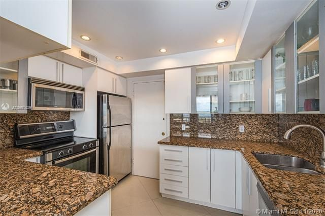Alexander Towers for Sale - 3505 S Ocean Dr, Unit 1402, Hollywood 33019, photo 7 of 21