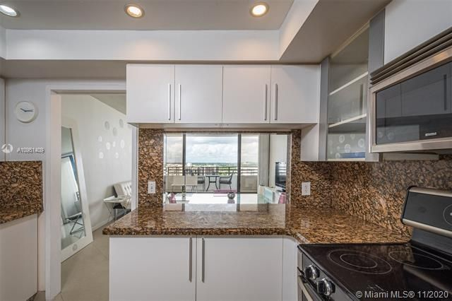 Alexander Towers for Sale - 3505 S Ocean Dr, Unit 1402, Hollywood 33019, photo 8 of 21