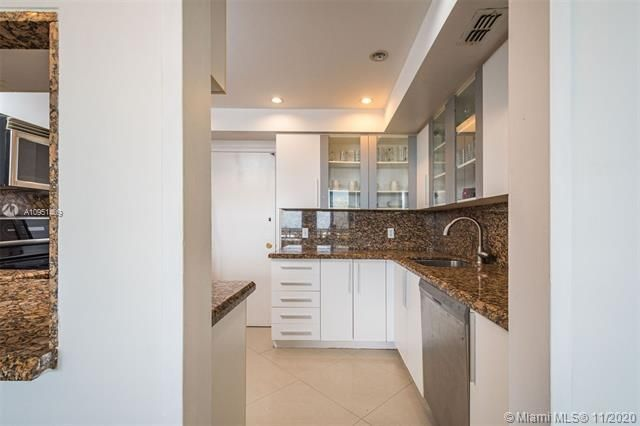 Alexander Towers for Sale - 3505 S Ocean Dr, Unit 1402, Hollywood 33019, photo 9 of 21