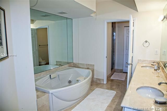 L'Hermitage for Sale - 3200 N Ocean Blvd, Unit 1402, Fort Lauderdale 33308, photo 11 of 30