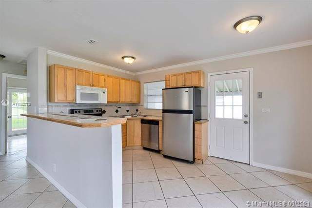 North Margate 1st Add for Sale - 6308 NW 24th, Margate 33063, photo 14 of 30