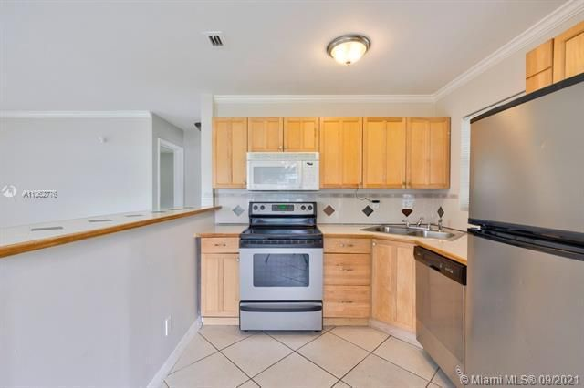 North Margate 1st Add for Sale - 6308 NW 24th, Margate 33063, photo 15 of 30