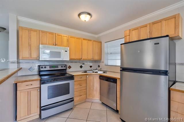 North Margate 1st Add for Sale - 6308 NW 24th, Margate 33063, photo 16 of 30