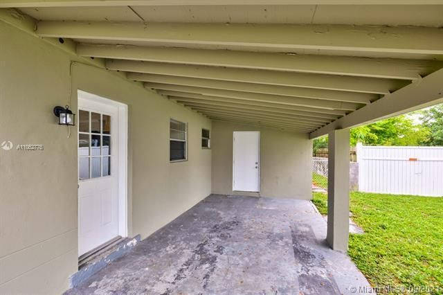 North Margate 1st Add for Sale - 6308 NW 24th, Margate 33063, photo 4 of 30