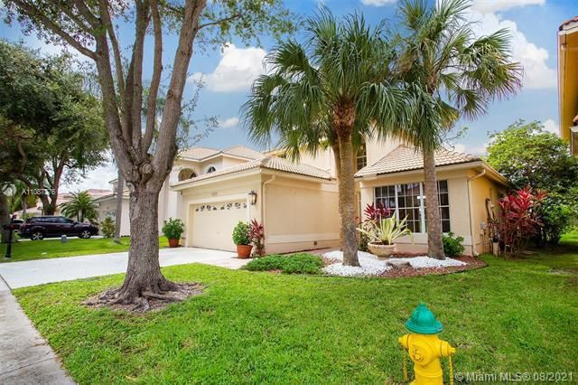 Holiday Springs Village S for Sale - 7570 NW 29th St, Margate 33063, photo 1 of 40