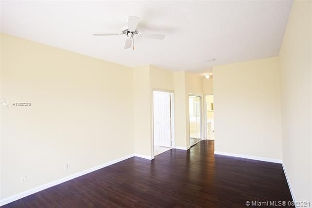 Holiday Springs Village S for Sale - 7570 NW 29th St, Margate 33063, photo 11 of 40