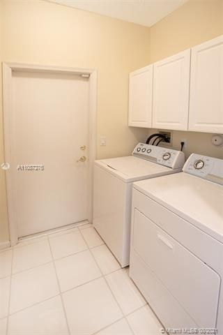 Holiday Springs Village S for Sale - 7570 NW 29th St, Margate 33063, photo 16 of 40