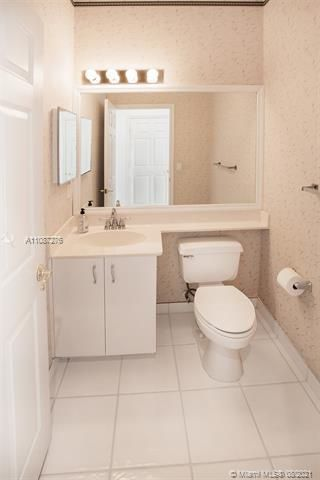 Holiday Springs Village S for Sale - 7570 NW 29th St, Margate 33063, photo 17 of 40