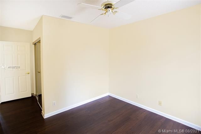Holiday Springs Village S for Sale - 7570 NW 29th St, Margate 33063, photo 22 of 40
