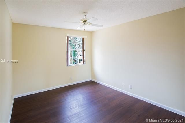 Holiday Springs Village S for Sale - 7570 NW 29th St, Margate 33063, photo 25 of 40