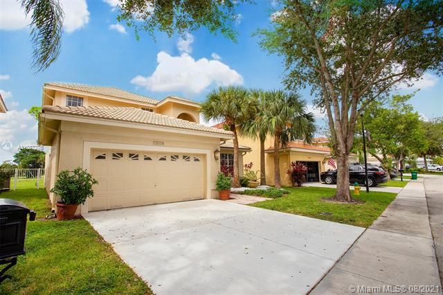 Holiday Springs Village S for Sale - 7570 NW 29th St, Margate 33063, photo 3 of 40