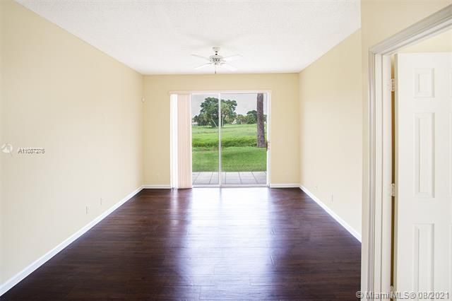 Holiday Springs Village S for Sale - 7570 NW 29th St, Margate 33063, photo 6 of 40