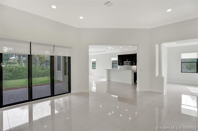 Heron Bay for Sale - 11535 NW 82nd Ct, Parkland 33076, photo 18 of 87