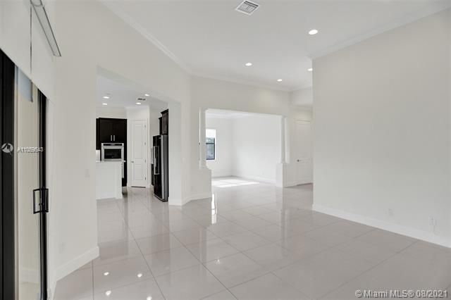 Heron Bay for Sale - 11535 NW 82nd Ct, Parkland 33076, photo 19 of 87