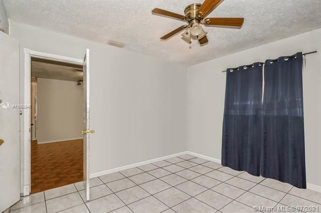 Larkdale Unit 4 for Sale - 3161 NW 14th St, Lauderhill 33311, photo 12 of 27