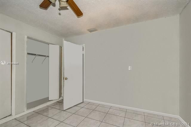 Larkdale Unit 4 for Sale - 3161 NW 14th St, Lauderhill 33311, photo 14 of 27