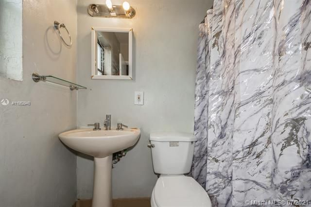 Larkdale Unit 4 for Sale - 3161 NW 14th St, Lauderhill 33311, photo 16 of 27