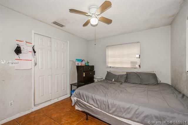Larkdale Unit 4 for Sale - 3161 NW 14th St, Lauderhill 33311, photo 19 of 27