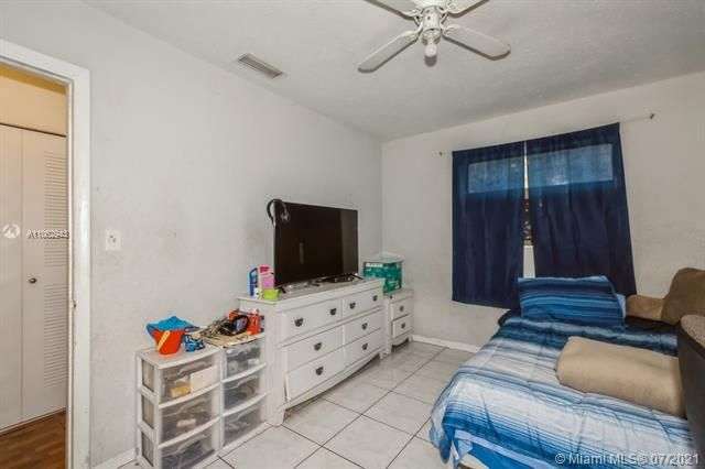 Larkdale Unit 4 for Sale - 3161 NW 14th St, Lauderhill 33311, photo 23 of 27