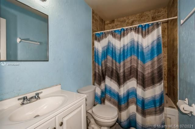 Larkdale Unit 4 for Sale - 3161 NW 14th St, Lauderhill 33311, photo 24 of 27