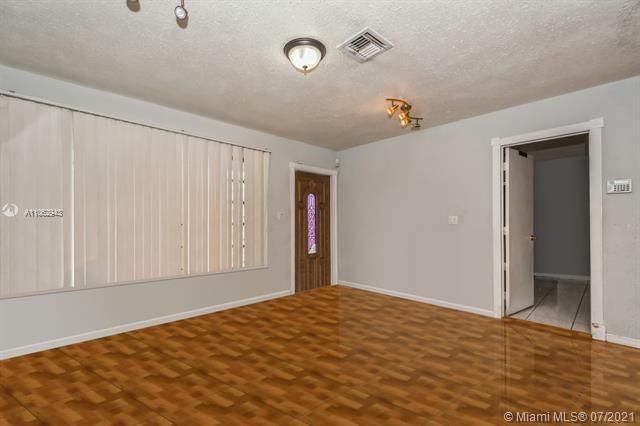 Larkdale Unit 4 for Sale - 3161 NW 14th St, Lauderhill 33311, photo 4 of 27