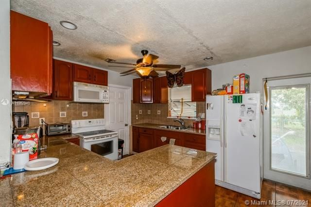 Larkdale Unit 4 for Sale - 3161 NW 14th St, Lauderhill 33311, photo 7 of 27