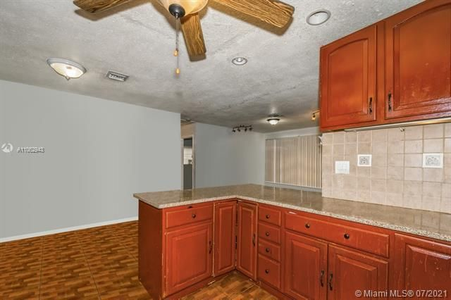 Larkdale Unit 4 for Sale - 3161 NW 14th St, Lauderhill 33311, photo 8 of 27