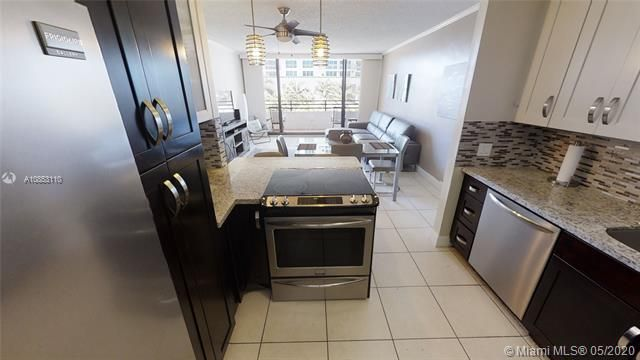 Alexander Towers for Sale - 3505 S Ocean Dr, Unit 316, Hollywood 33019, photo 11 of 33