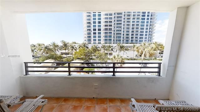 Alexander Towers for Sale - 3505 S Ocean Dr, Unit 316, Hollywood 33019, photo 6 of 33