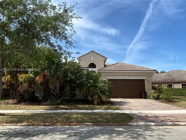 Heron Bay for Sale - 12154 NW 76th Pl, Parkland 33076, photo 1 of 13